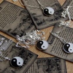 Amulet jinjang.